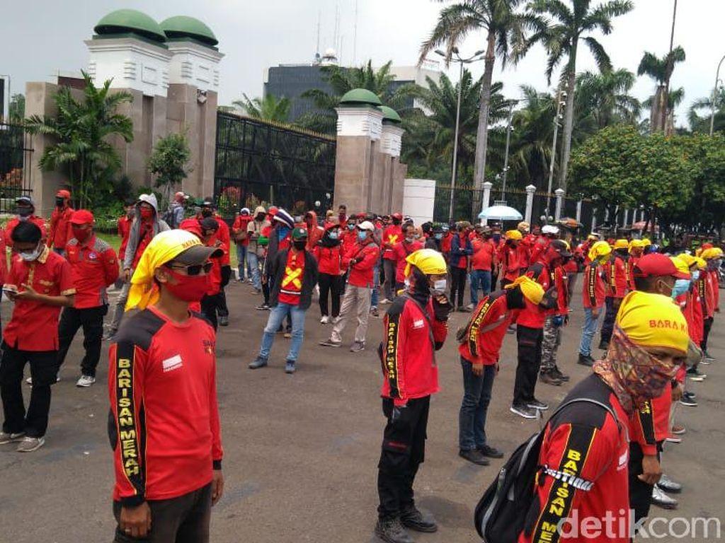 Buruh Demo Lagi di Depan DPR, Tolak UU Cipta Kerja