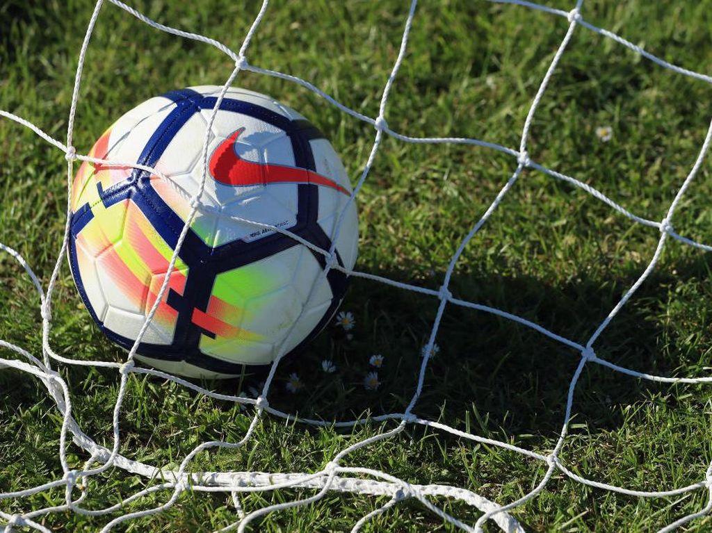 Jarang Terjadi! Dari Kick Off Langsung Gol