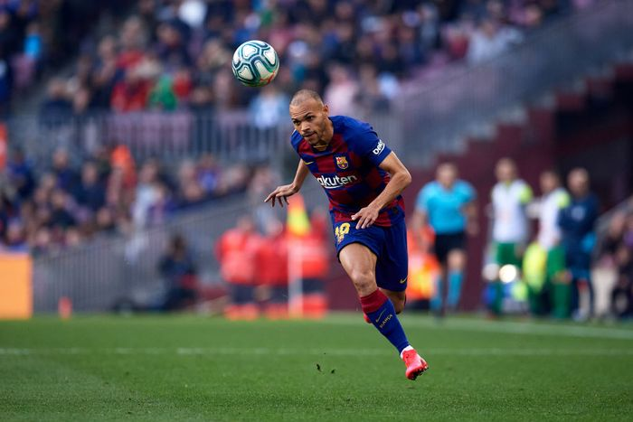 BARCELONA, SPAIN - FEBRUARY 22: Martin Braithwaite of FC Barcelona runs with the ball during the La Liga match between FC Barcelona and SD Eibar SAD at Camp Nou on February 22, 2020 in Barcelona, Spain. (Photo by Alex Caparros/Getty Images)
