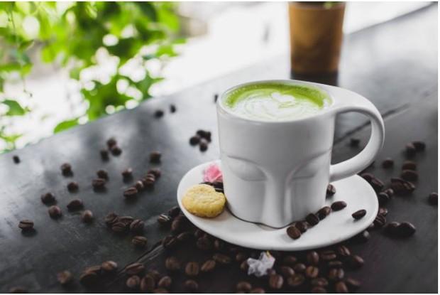 Minum teh hijau murni agar diet sukses