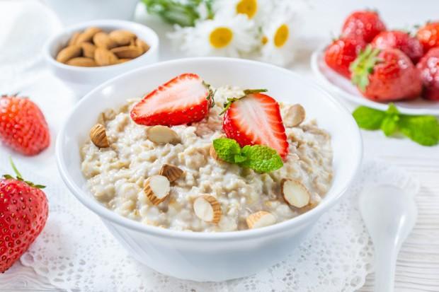 Bukan hanya bisa membantu program penurunan berat badan, oatmeal juga bisa menambah tinggi badan lho!
