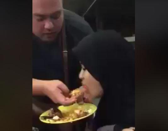 So Sweet! 5 Cara Suami Berikan Makanan pada Istri Ini Bikin Baper