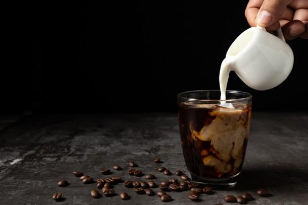 Tambahkan Susu saat Minum Kopi