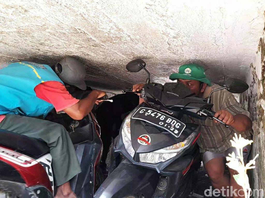 Cerita Pemotor Harus Nunduk atau Rebahan Lewat Terowongan Aneh di Brebes