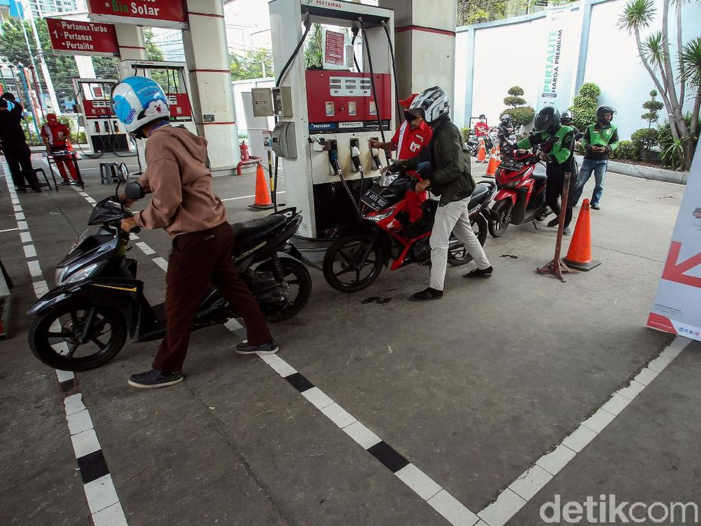 Pak Jokowi, BBM Premium Jadi Dihapus 2021?