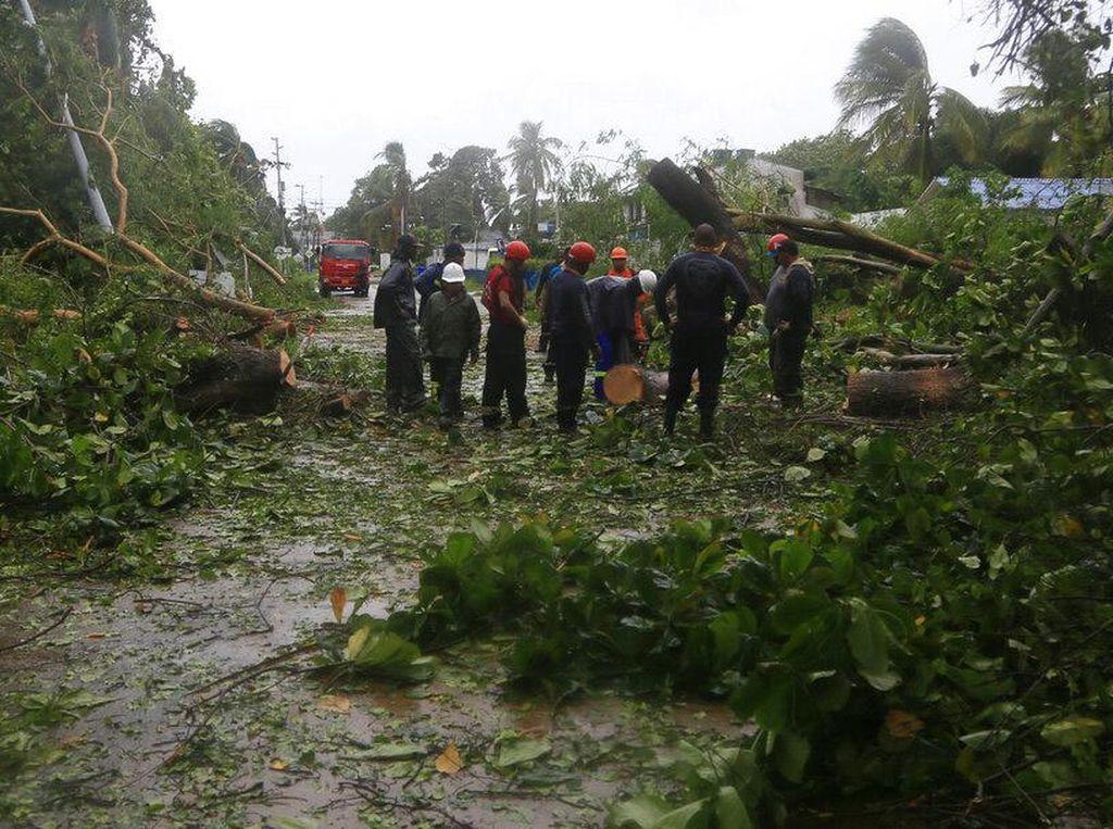 Badai Iota Terjang Amerika Tengah, Puluhan Ribu Warga Mengungsi