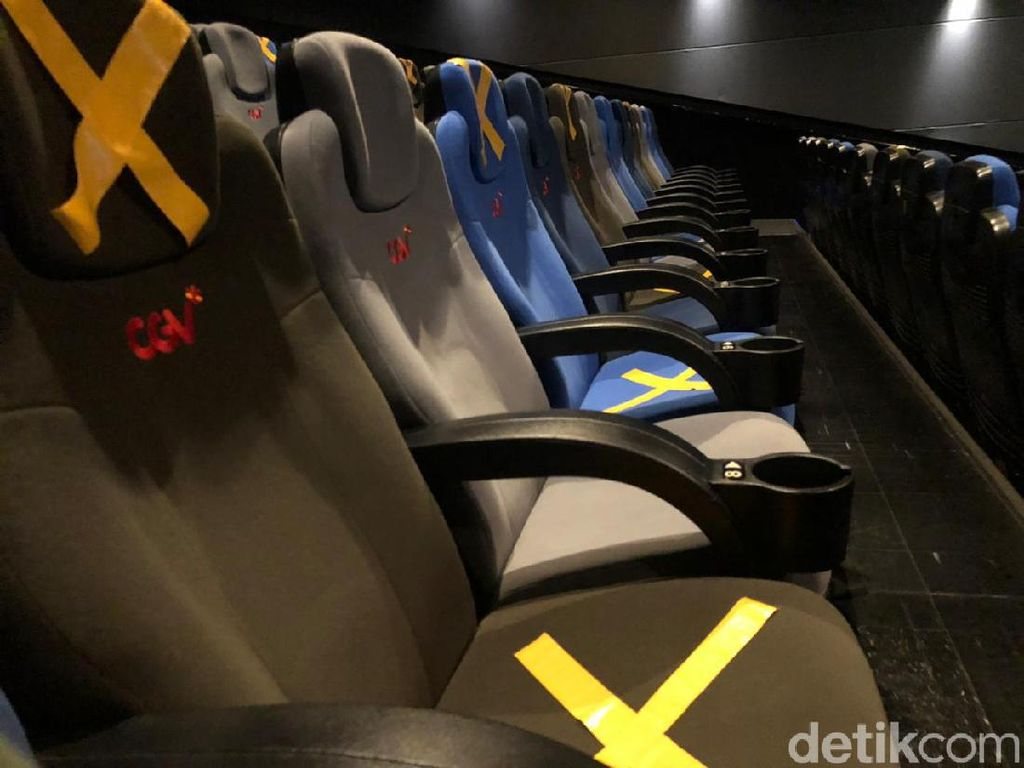 Bioskop Masih Kosong, Serasa Teater Milik Sendiri