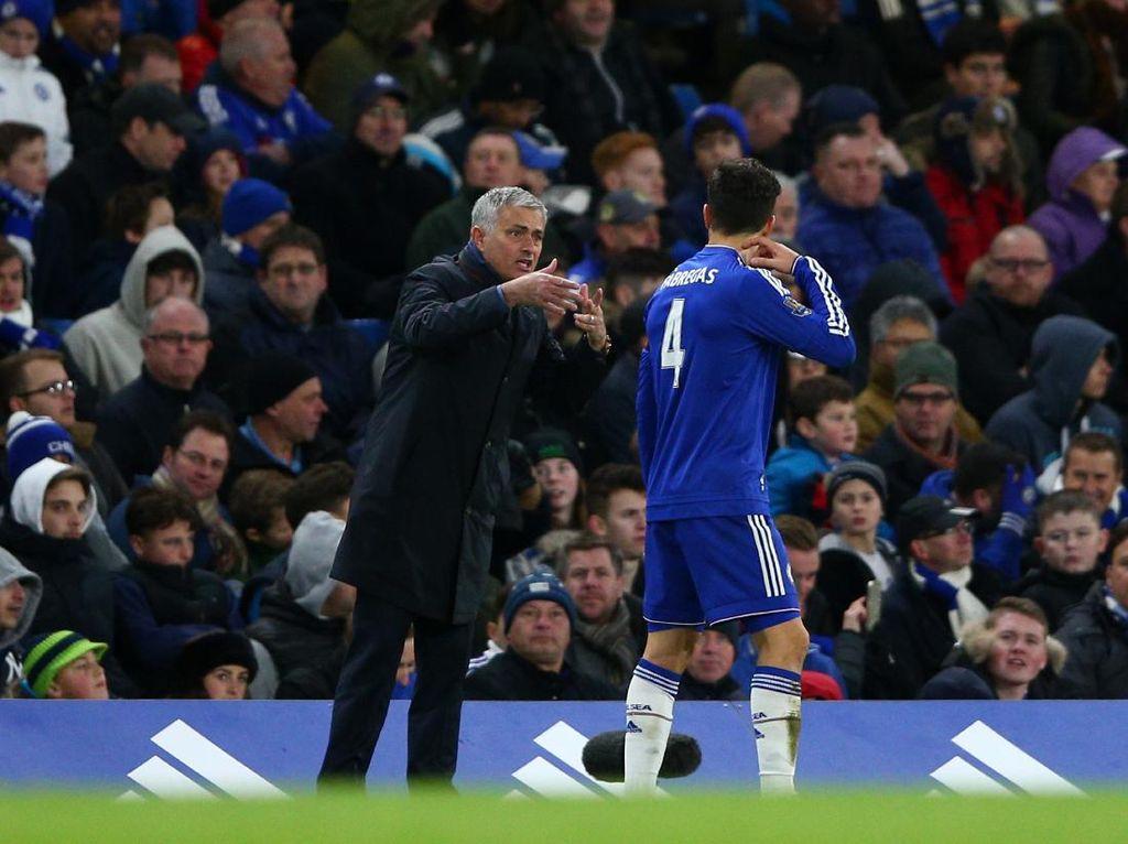 Fabregas Masih Berteman dengan Mourinho, Kecewa dengan Guardiola
