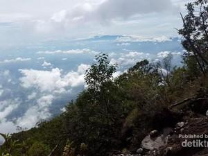 Selamat Pagi dari Gunung Ciremai!