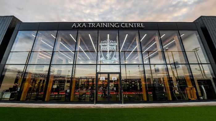 Liverpool meresmikan lapangan latihan terbarunya, AXA Training Center