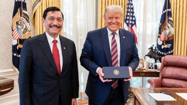Menko Kemaritiman dan Investasi Luhut Binsar Pandjaitan bertemu dengan Presiden AS Donald Trump di Gedung Putih, Washington.