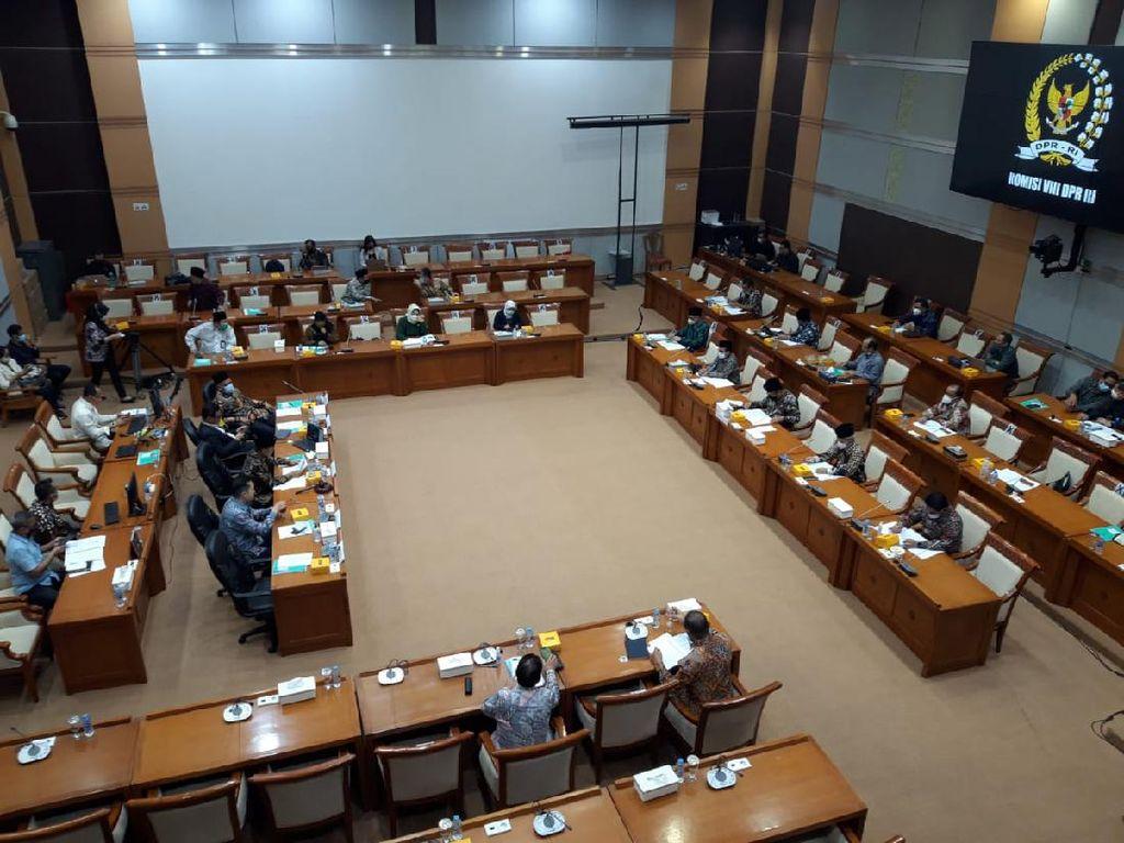 Rapat Bareng Menag, Komisi VIII DPR Minta Penjelasan soal Penutupan Umroh