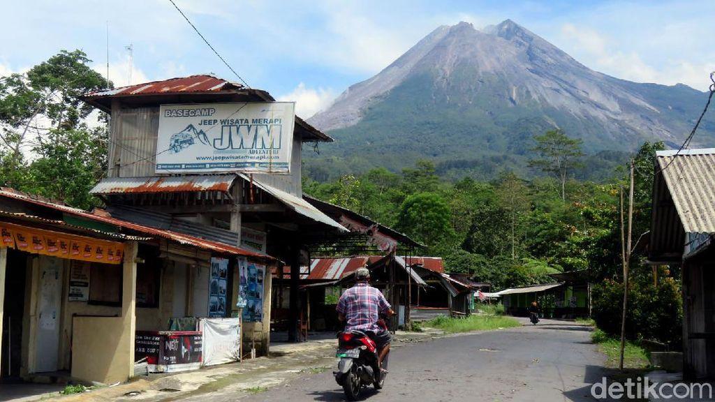 Menengok Aktivitas Gunung Merapi yang Berstatus Siaga