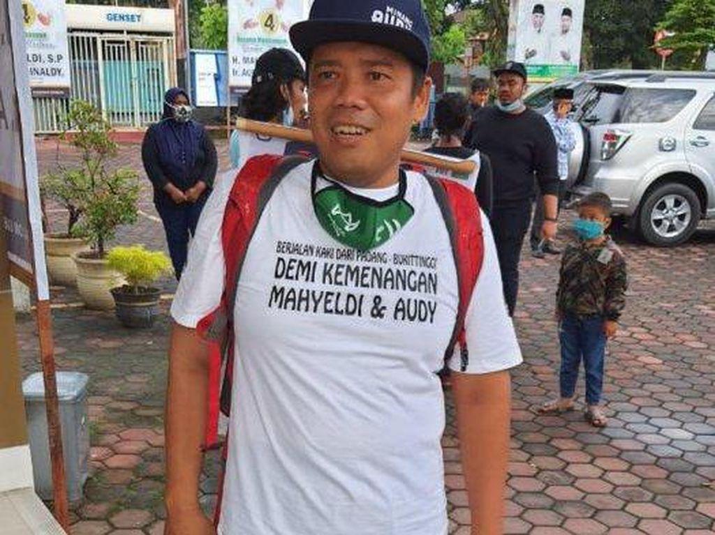 Demi Dukung Mahyeldi-Audy, Penjual Lontong Jalan Kaki Padang-Bukittinggi