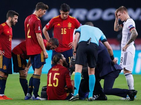 SEVILLE, SPAIN - NOVEMBER 17: Sergio Ramos of Spain receives treatment before being substituted during the UEFA Nations League group stage match between Spain and Germany at Estadio de La Cartuja on November 17, 2020 in Seville, Spain. (Photo by Fran Santiago/Getty Images)