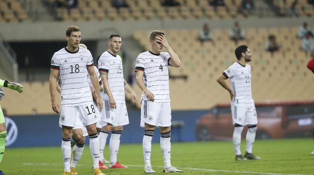 Germany's players react following the UEFA Nations League soccer match between Spain and Germany in Seville, Spain, Tuesday, Nov. 17, 2020. Spain won the match 6-0. (AP Photo/Miguel Morenatti)