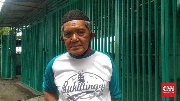 Warga Medan, Manca mengaku sudah yakin ingin memilih Bobby Nasution di pilkada karena mengenal satu sama lain.