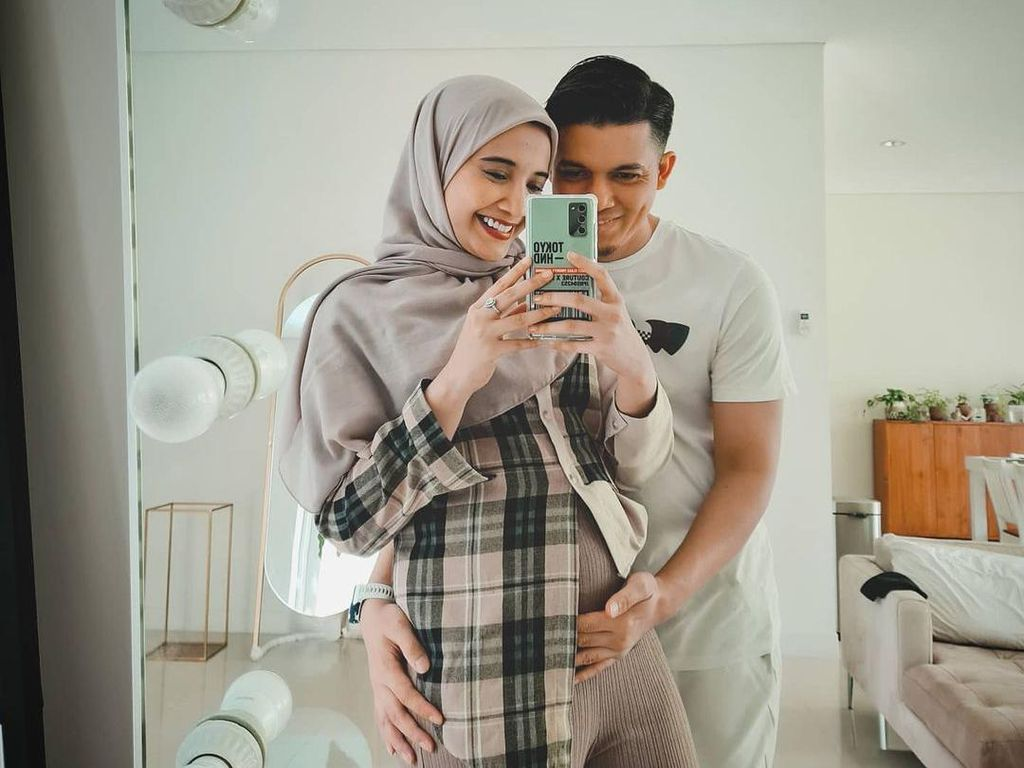 Doa Zaskia Sungkar di Momen 10 Tahun Pernikahan: Insyaallah sampai Surga