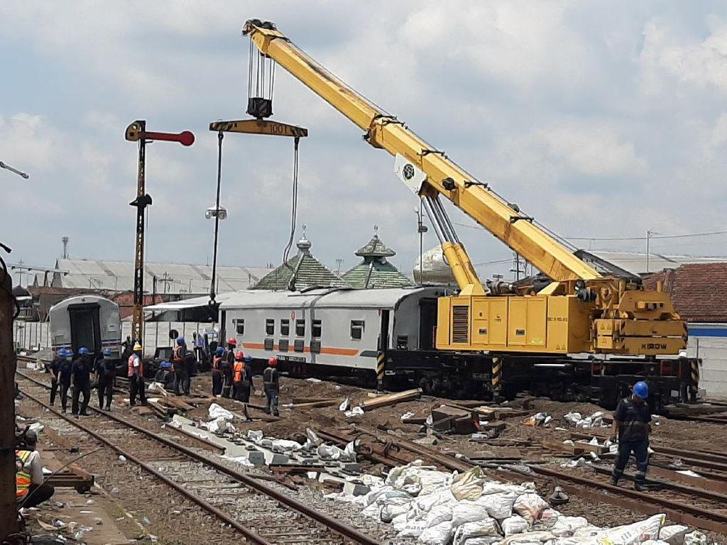 Fakta Tujuh Gerbong Kereta Api Meluncur Sendiri di Malang