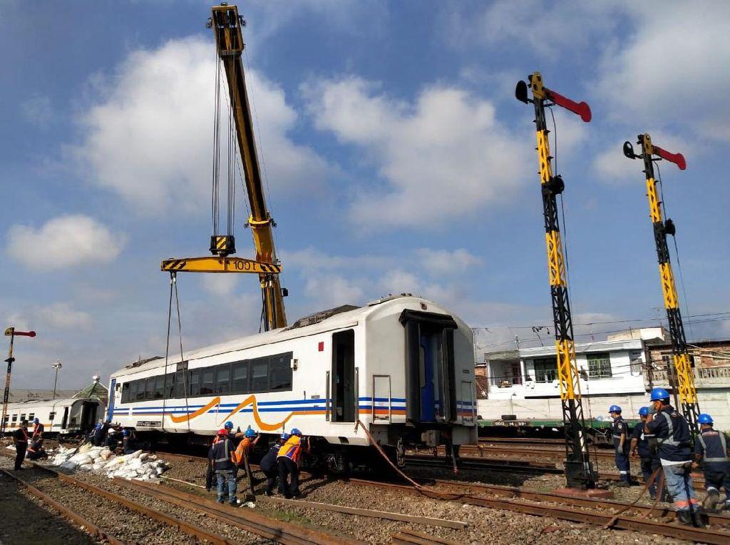 Fakta Mencengangkan Gerbong Kereta Jalan Sendiri di Malang