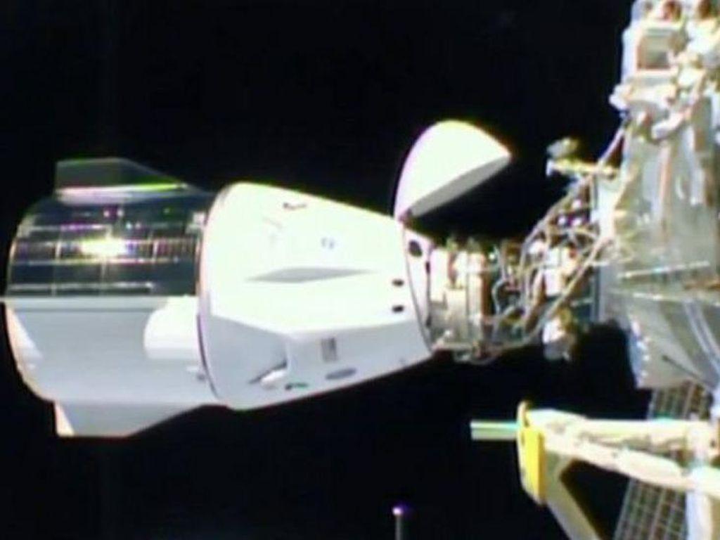 Kapsul SpaceX Dragon Tiba di Stasiun Luar Angkasa, Apa yang Akan Dilakukan?