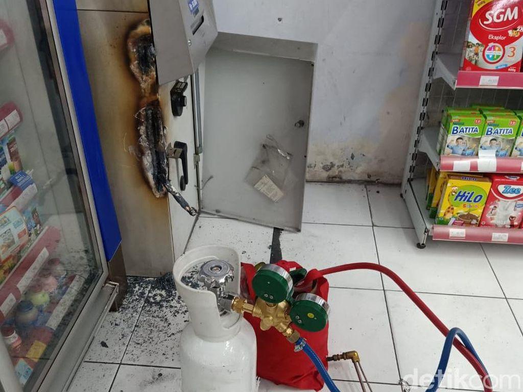 Perampok Satroni Minimarket di Sidoarjo, Pelaku Las Mesin ATM