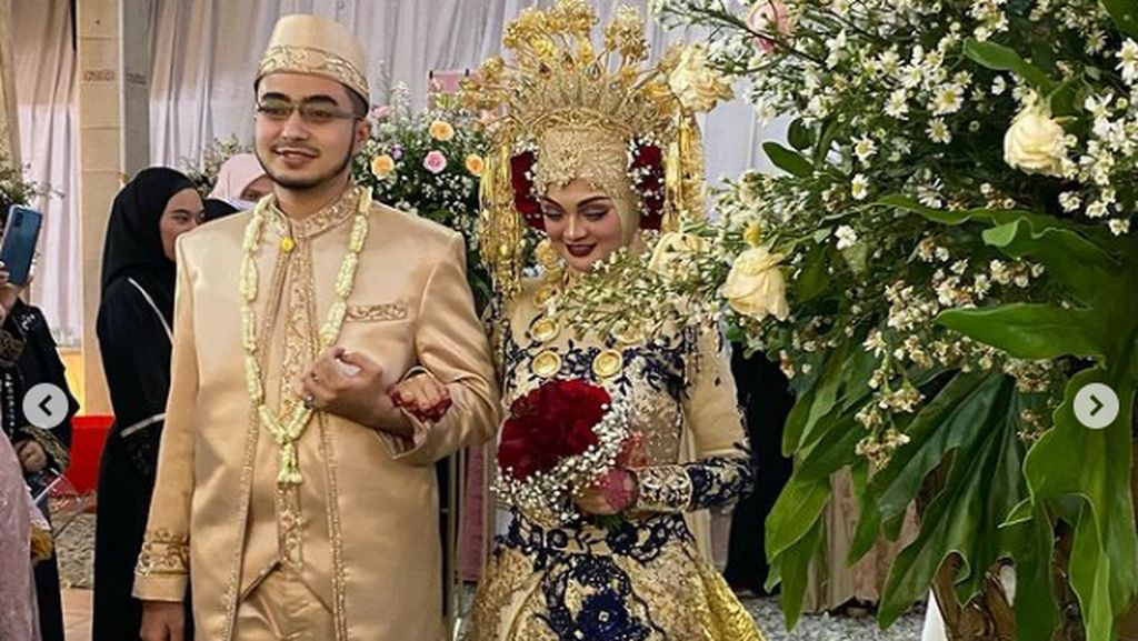 Adu Gaya 5 Anak Ustaz dan Habib Saat Nikah, Putri Habib Rizieq Serba Emas