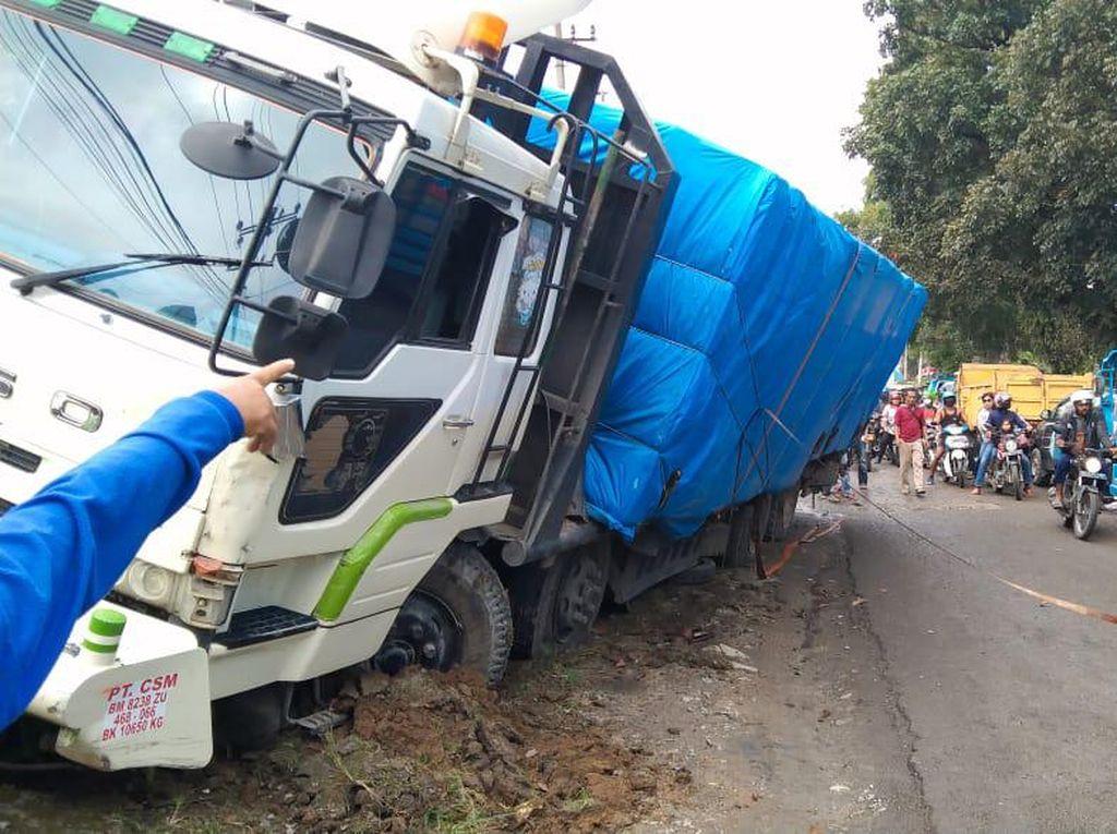 Horor Truk Nyelonong Tewaskan 5 Orang Gegara Rem Blong