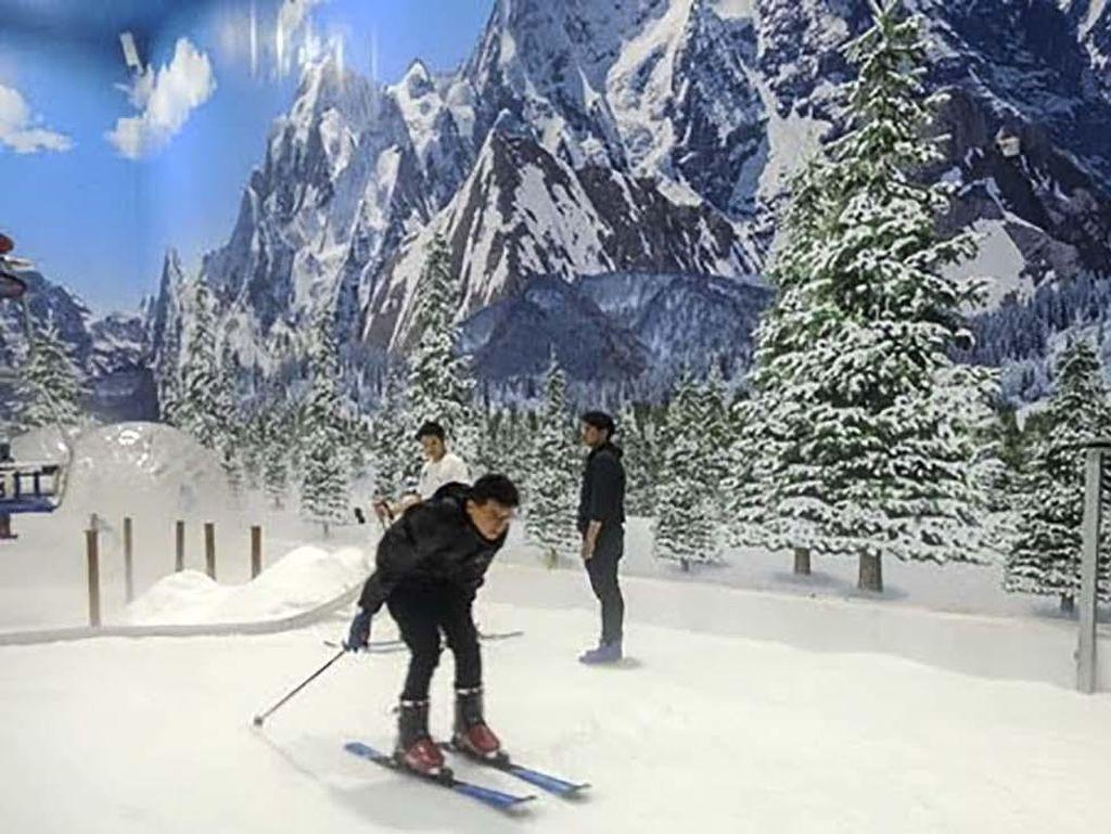 Liburan di Trans Snow World, Ada Promo Tiket Buy 1 Get 1 Free!