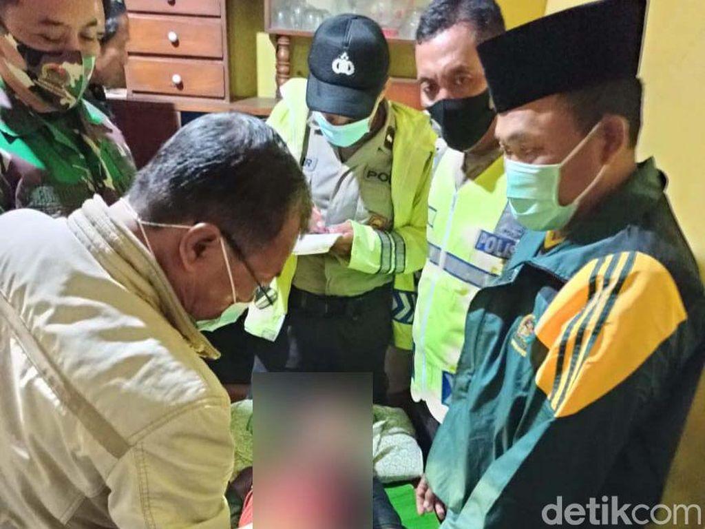 2 Bocah Bojonegoro Tewas Tersambar Petir Saat Berteduh di Gubuk Sawah