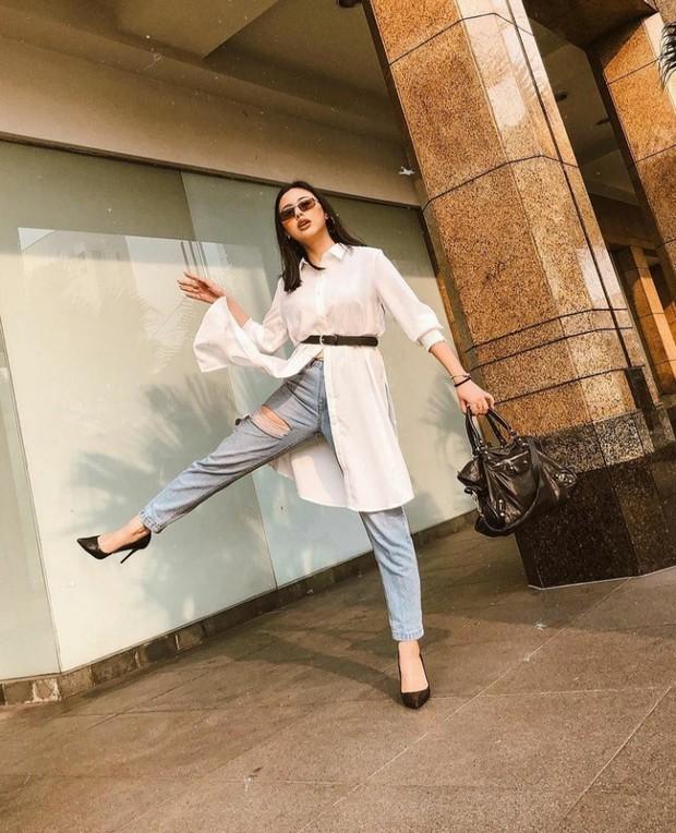 10 Inspirasi Mix and Match Celana Jeans ala Ludovica Jessica