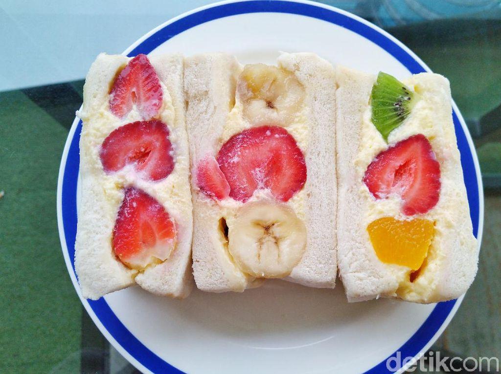 Furutu Sando : Oishii! Sandwich Isi Buah dan Telur ala Jepang yang Segar