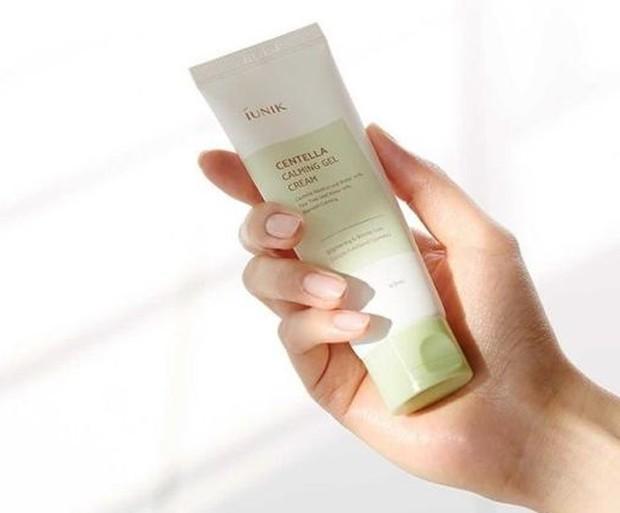 Iunik Centella Calming Gel Cream/Sumber: www.instagram.com/iunik_official