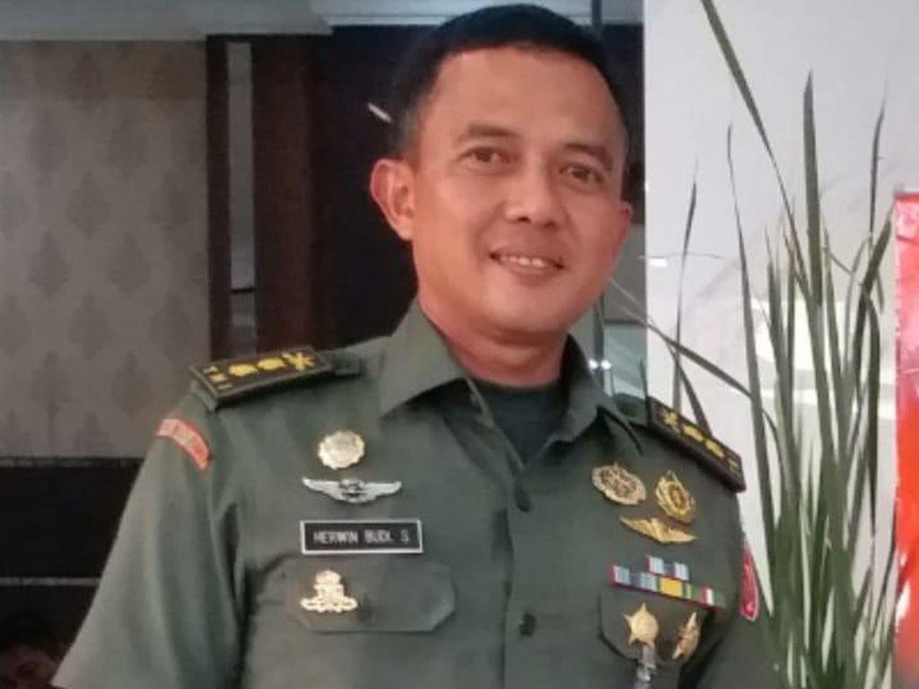 Kodam Jaya Jelaskan soal Penumpang Wanita di Ranpur TNI Saat Penertiban Baliho