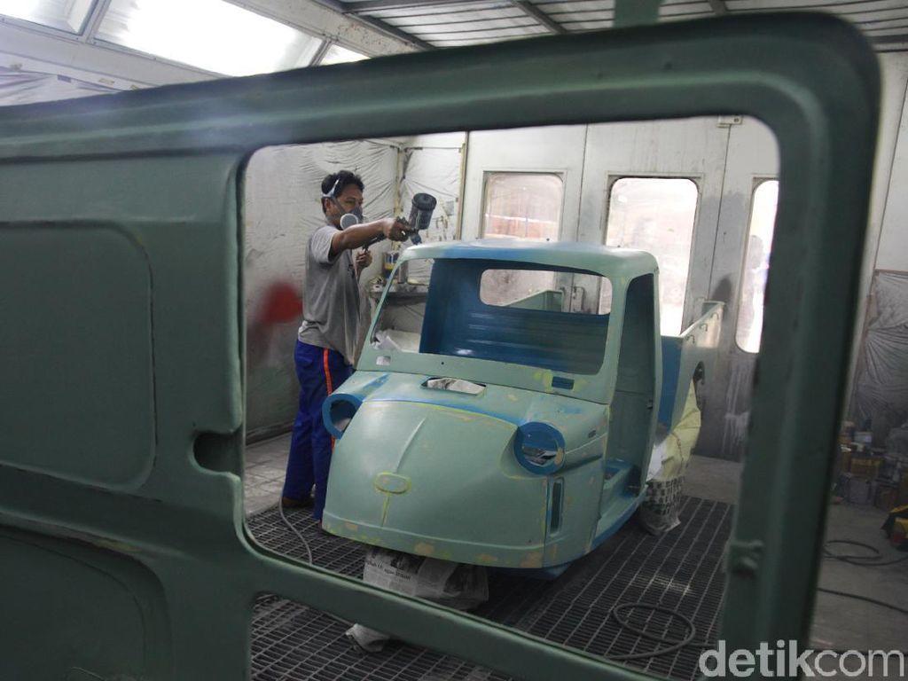 Melihat Restorasi Bemo, Kendaraan Jadul yang Melegenda