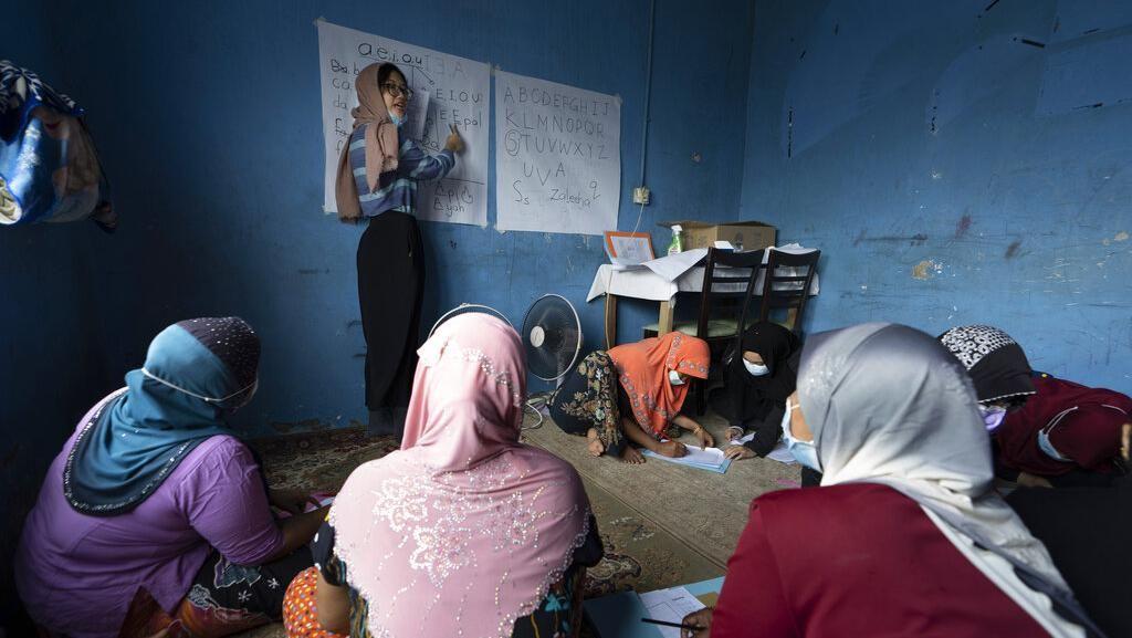 Memberantas Buta Aksara di Kalangan Imigran Wanita