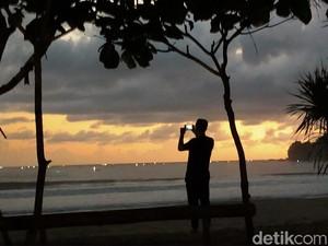 Menikmati Malam nan Syahdu di Pantai Rajegwesi Banyuwangi