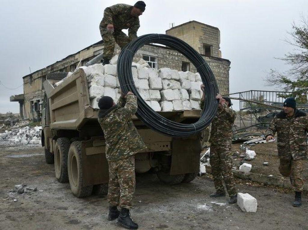 Pasukan Azerbaijan Masuki Distrik yang Baru Diserahkan Armenia