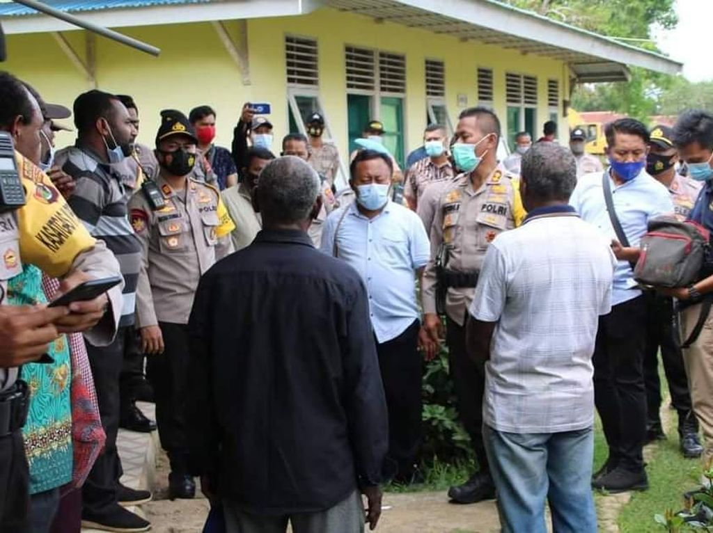 Buku Panduan Merdeka Bongkar Palsu-palsu Rapat Otsus Papua