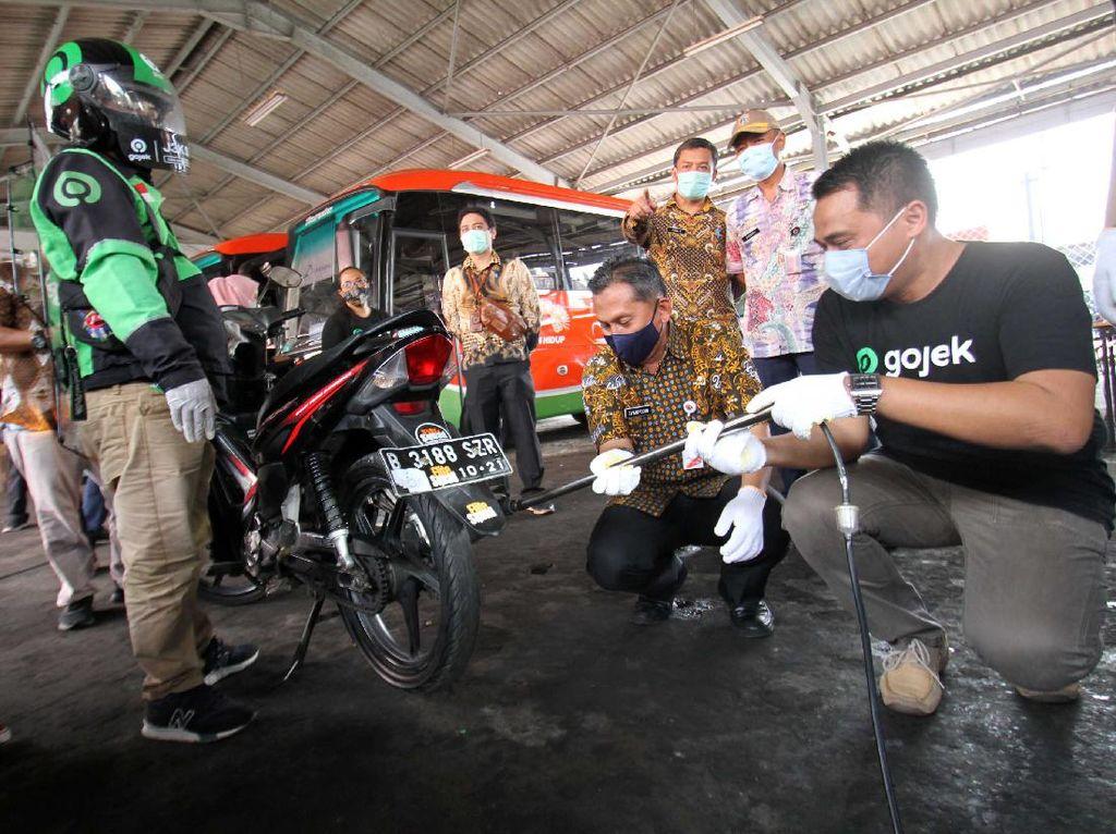 Selamat Tahun Baru, Ingat Mulai Januari 2021 Anies Wajibkan Kendaraan Jakarta Uji Emisi
