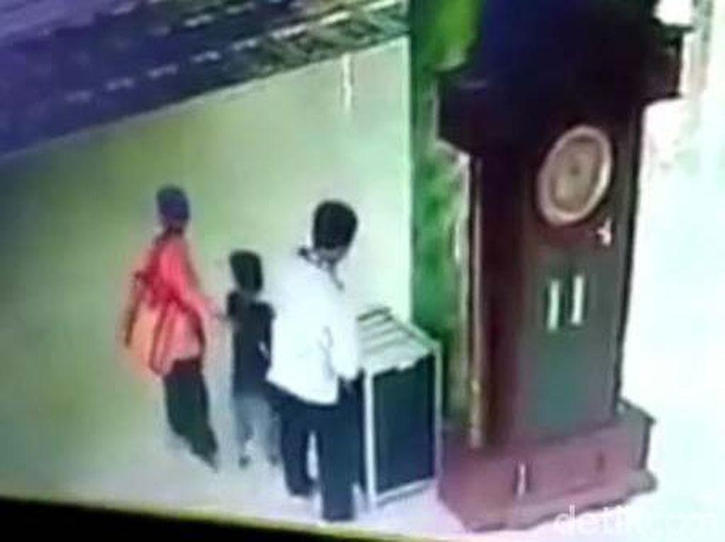 Aksi Sekeluarga di Malang Curi Kotak Amal hingga Mukena dan Sajadah