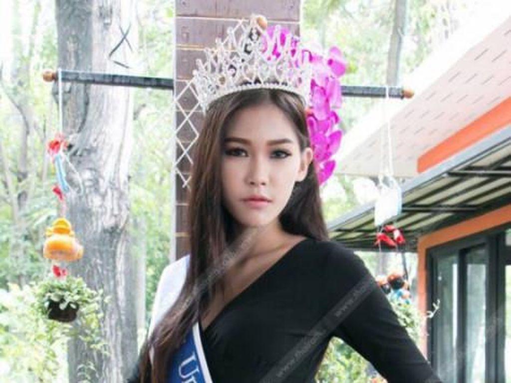 8 Foto Ratu Kecantikan yang Dulu Viral karena Sujud di Kaki Ibu Pemulung