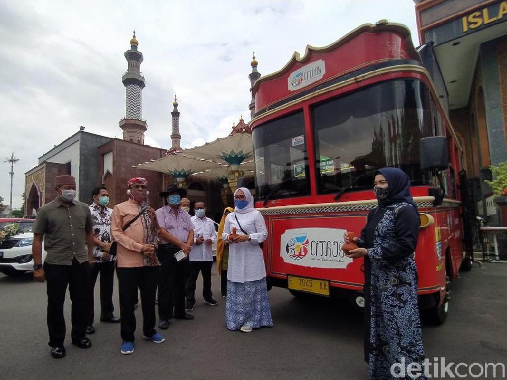 Ada Paket Wisata Religi ke Masjid Kuno di Cirebon Nih