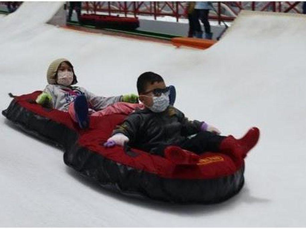 Buka Lagi Hari Ini! Trans Snow World Bintaro Bagikan Promo