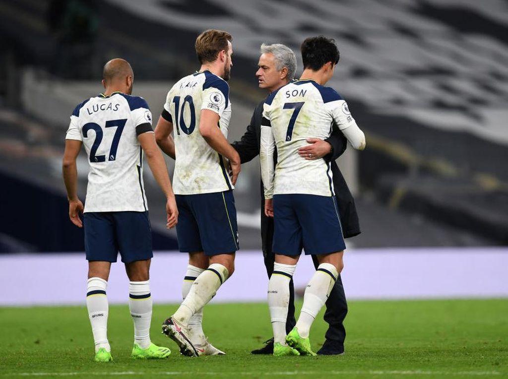 Tottenham Tetap Rawat Mimpi Juara bersama Mourinho