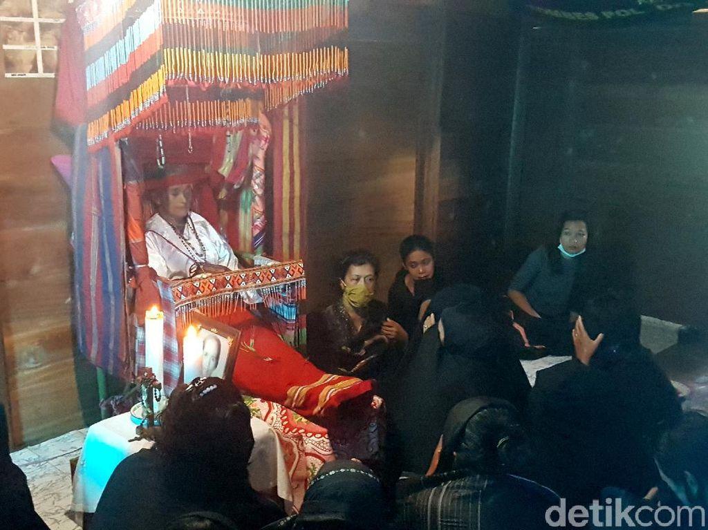 Terpopuler: Tradisi Mendudukkan Jenazah di Mamasa, Sulbar