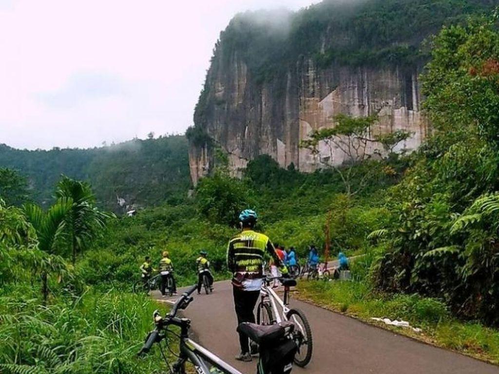 3 Lembah Cantik untuk Liburan Seru di Sumatera Barat