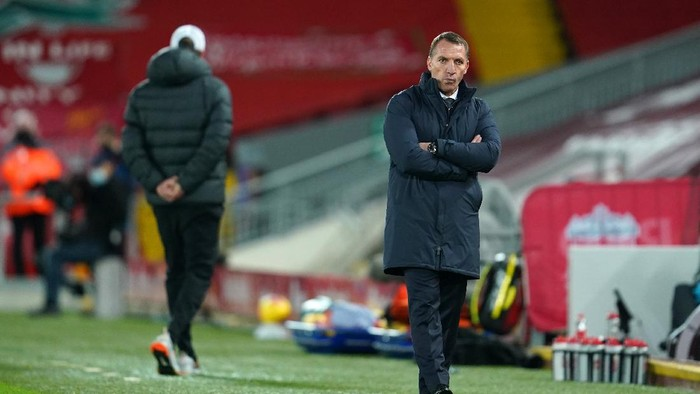 LIVERPOOL, ENGLAND - NOVEMBER 22: Brendan Rogers, Manager of Leicester City looks on during the Premier League match between Liverpool and Leicester City at Anfield on November 22, 2020 in Liverpool, England. Sporting stadiums around the UK remain under strict restrictions due to the Coronavirus Pandemic as Government social distancing laws prohibit fans inside venues resulting in games being played behind closed doors. (Photo by Jon Super - Pool/Getty Images)