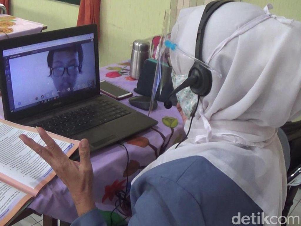 Pesan untuk Guru SD-SMP di Surabaya yang Mengajar Daring dari Sekolah