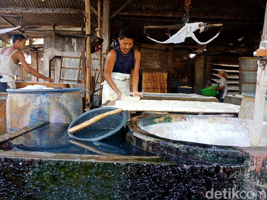 Duh, 67 Industri Tahu di Jombang Buang Limbah ke Sungai